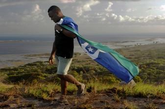 "Bernard Namok Jnr, St Pauls - Moa Island, ""Carry the Flag"", 2016"